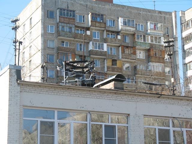 Оборудование ОУС и ТП на Ташкентской улице. Кстати, на стойке ТП хорошо видна круглая сирена, предназначенная для экстренного оповещения.